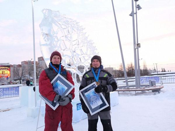 Главный Кубок «Зимний вернисаж» получила команда скульпторов из Екатеринбурга за работу «Ты прекрасна»
